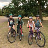 Weibliche Führungskräfte bei Frog Bikes